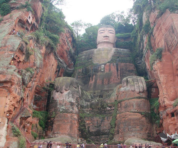 how to get to leshan from chengdu