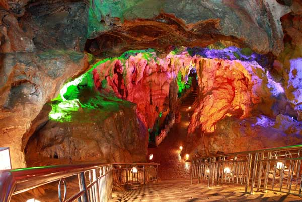 Photos Images Amp Pictures Of Silver Cave Guilin China